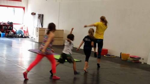 Fysisk aktivitet håller barnen friska och kan förbättra betygen i skolan.