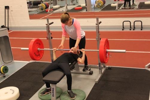 Träningen kommer bland annat innehålla olika styrkemoment.